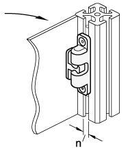 Rys. 5. Montaż GN 4490 na profilu konstrukcyjnym z rowkami teowymi