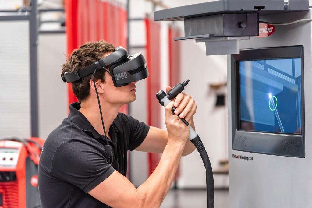 Symulator Virtual Welding do szkoleń przyszłych spawaczy