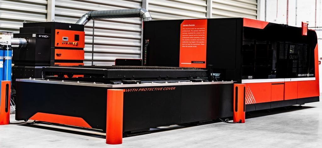 Wycinarka laserowa DNE Bystronic automatyczny systemem ładowania-rozładowania