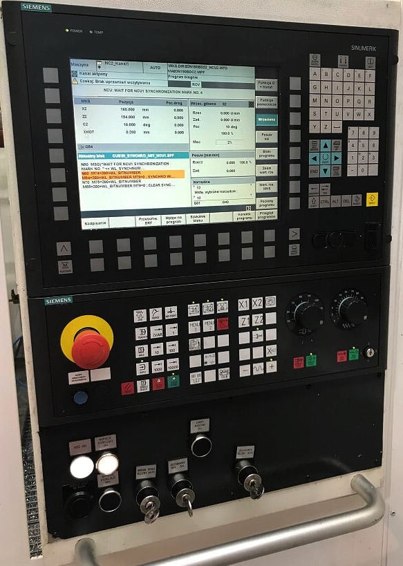 panel sterujący obrabiarki opartej o Sinumerik firmy Siemens
