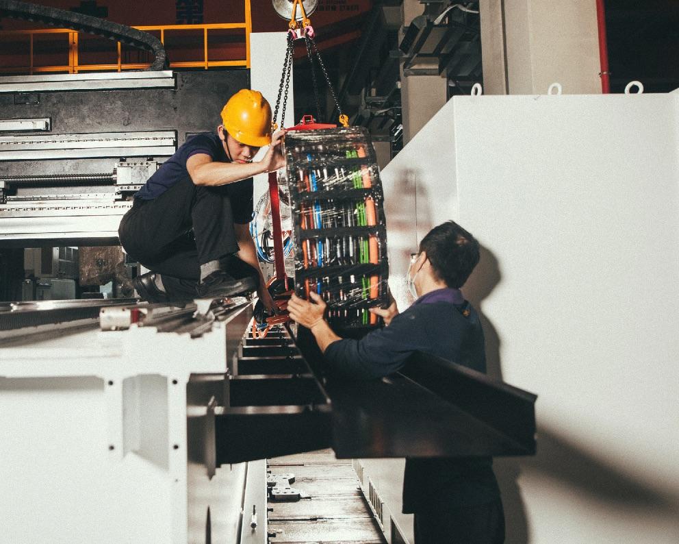 W zautomatyzowanych systemach obróbki Hartford, e-prowadniki firmy igus® zapewniają bezpieczne i niezawodne zasilanie. (Źródło: igus® Sp. z o.o.)