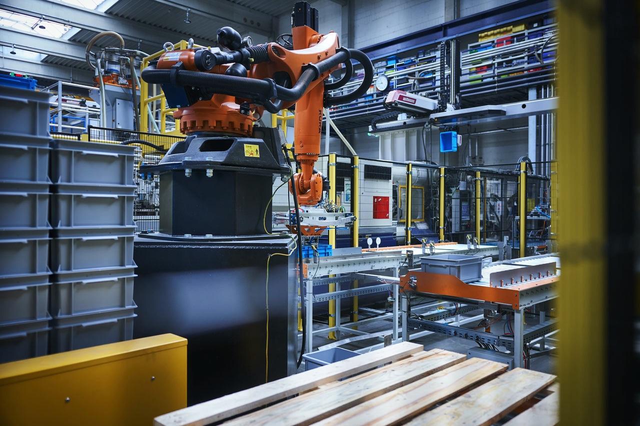 paletyzacja robot KUKA KR150 R2700