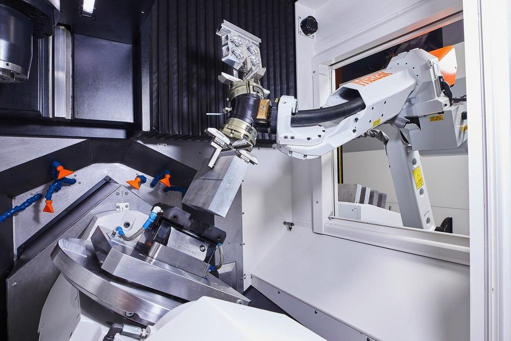 Maszyna Mazak CV5-500 i robot MA