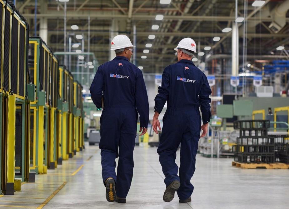 zakład produkcyjny inżynierowie Mobil Serv