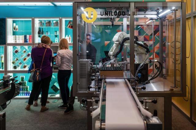 Targi Packaging Innovations robot