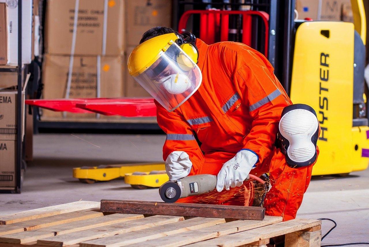 Odzież ochronna i robocza dla przemysłu